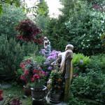Cluster Art Garden, White Sunday