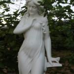 Toukokuu puutarhassa, May in garden