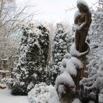 Matti Luostarinen. Cluster garden. The first snow. Ensilumi puutarhassa.
