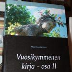 Matti Luostarinen. Vuosikymmenen kirja – osa I ja osa II. Kuvitettuja.