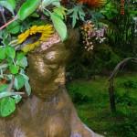 Pumpulienkeli, veistos puutarhasta vuodelta 2004